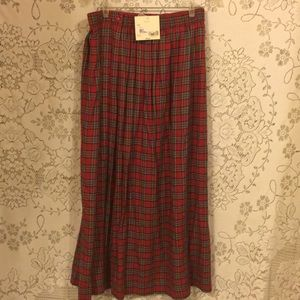 Red/Green Bechamel plaid Woman's Skirt Sz 14 NWT
